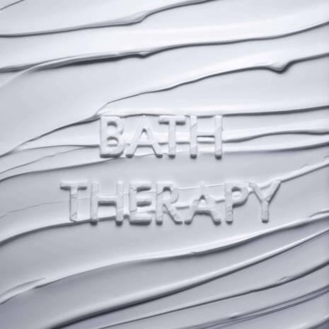 BATH THERAPY DELIGHTING HAND CREAM